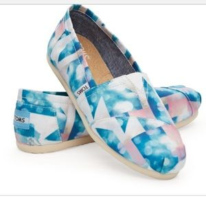 [Toms] Clearwater Satin Cloudscape Flats